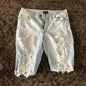 Super distressed Forever 21 Plus Size